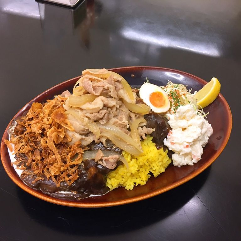 黒い肉カレーガリ豚のせ弁当(ポーク)