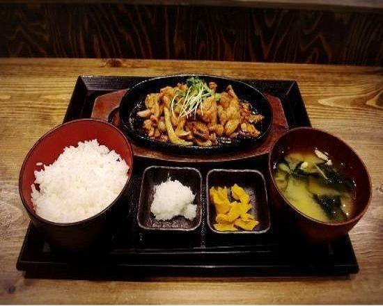 鶏の生姜焼き定食