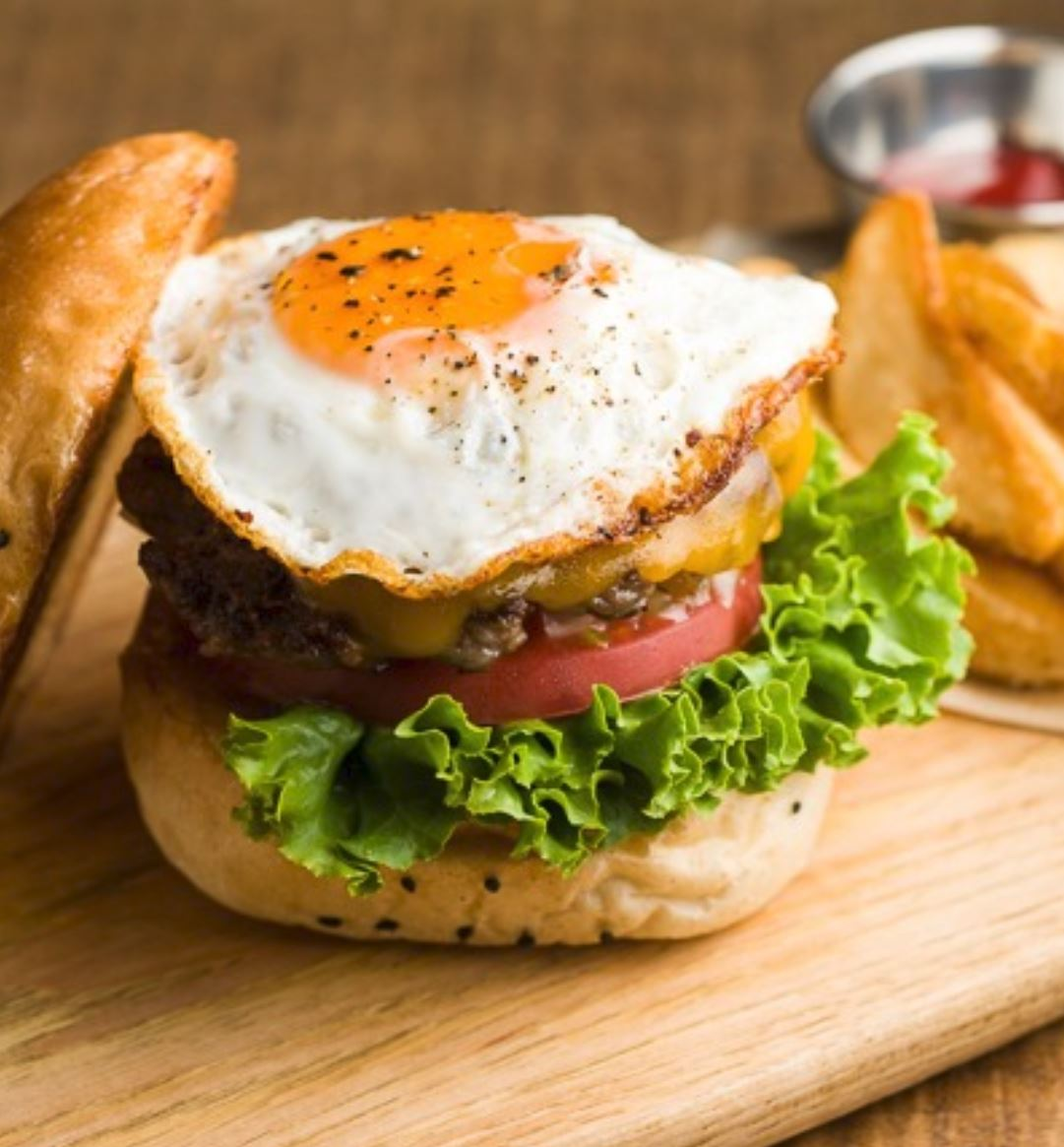 FRIED EGG CHEESE BURGER
