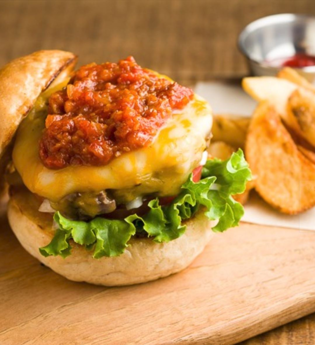 GARLIC TOMATO & CHEESE BURGER