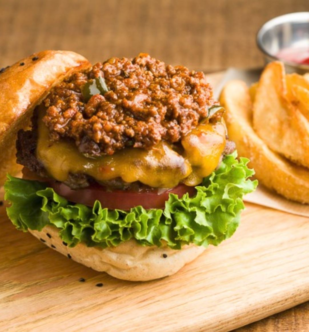 SPICY CHILI CHEESE BURGER