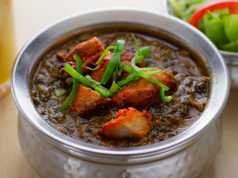 チキンサグワラ/Chicken Saagwala(ナンまたはライス付き/with Nan or Rice)