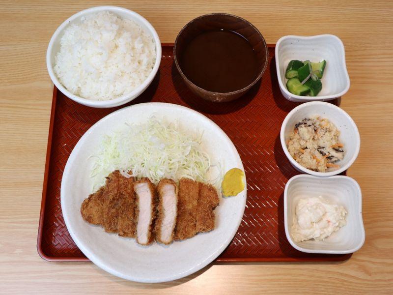 【EPARK特別価格】淡麗とんかつ定食