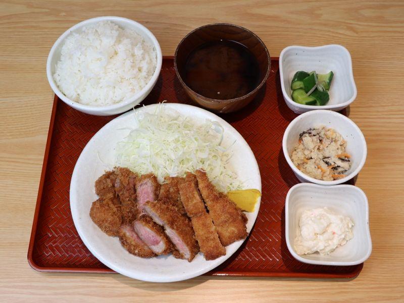 【EPARK特別価格】濃厚とんかつ1.5倍定食