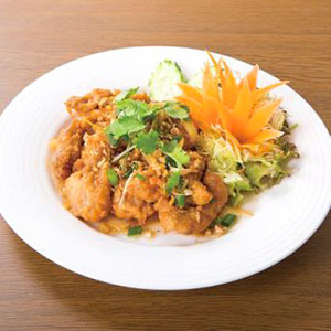 鶏肉のガーリック揚げ/Chicken Garlic Itame
