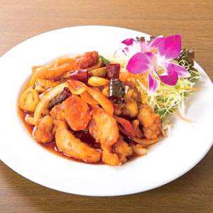 鶏肉とカシューナッツ炒め/Stir-Fried Chicken with Cashew Nuts