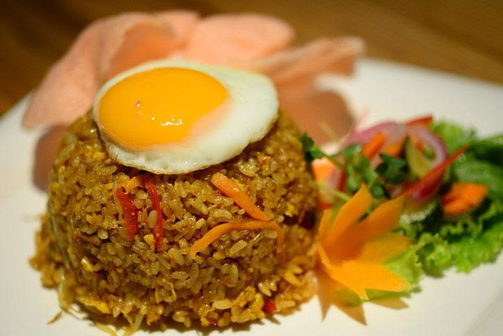 ナシゴレン・サピ(Nasi Goreng Sapi)~バリ島の牛肉入り焼飯~