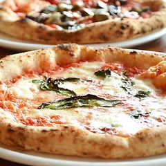 ルサンクのマルゲリータピザ