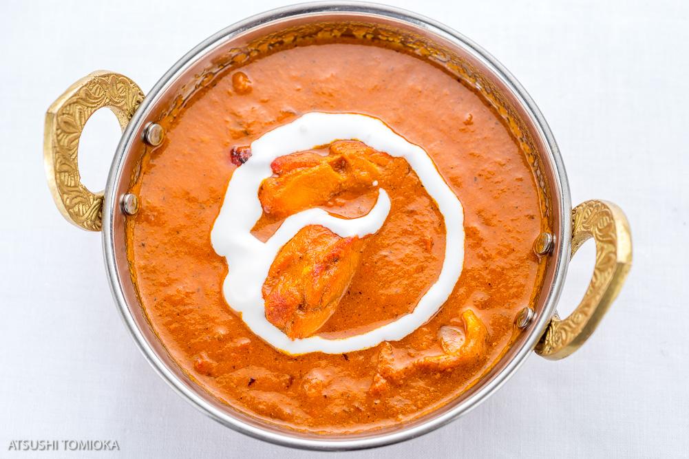 チキン バター マサラ  (バターとチキンティッカを 使ったカレー) Chicken butter masala  (Curry with butter  and chicken tikka)