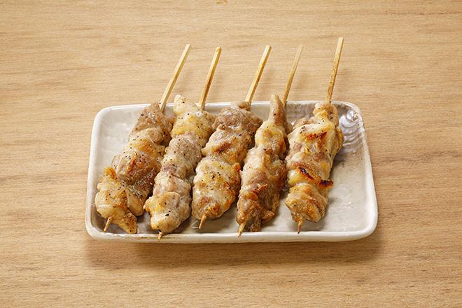 鶏もも串(塩)5本