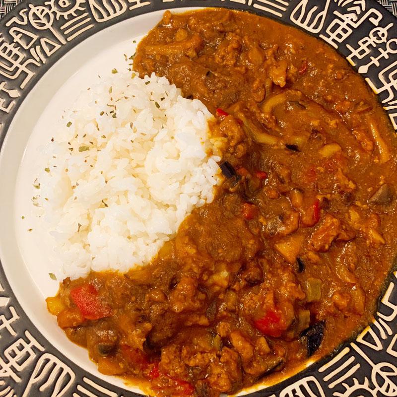 ヨコマチ特製カレー<Yokomachi's Special Curry>