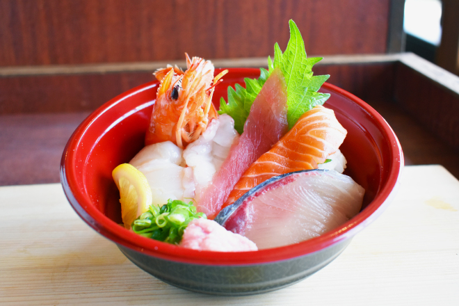 定番!寿司屋の海鮮丼