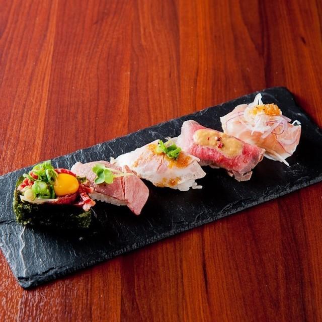 名物!RIVIO肉寿司5貫盛り