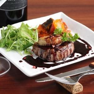 牛ヒレ肉とフォアグラのステーキ