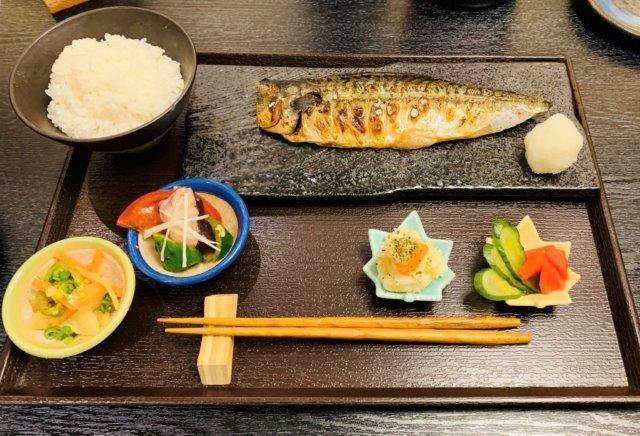 サバの文化干し定食