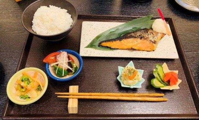 鮭の西京焼き定食