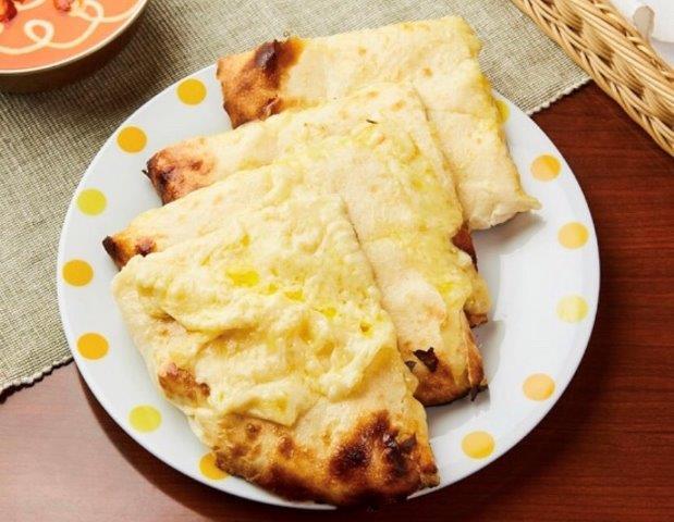 ハニーチーズナン Honey Cheese Naan