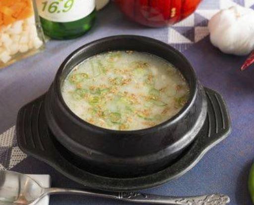 1人前の「サムゲタンスープ」