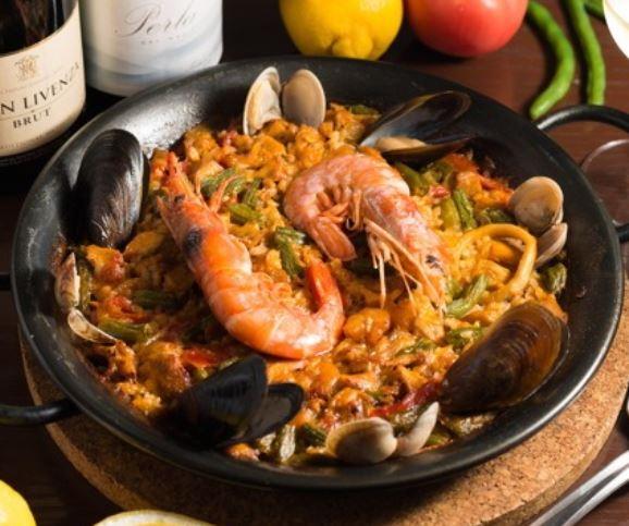 バレンシア風パエリャ 魚介類