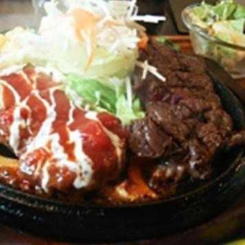 イタリアンチーズハンバーグとサーロインステーキ(140g)のツインスペシャルセット【たっぷり野菜サラダ付き】