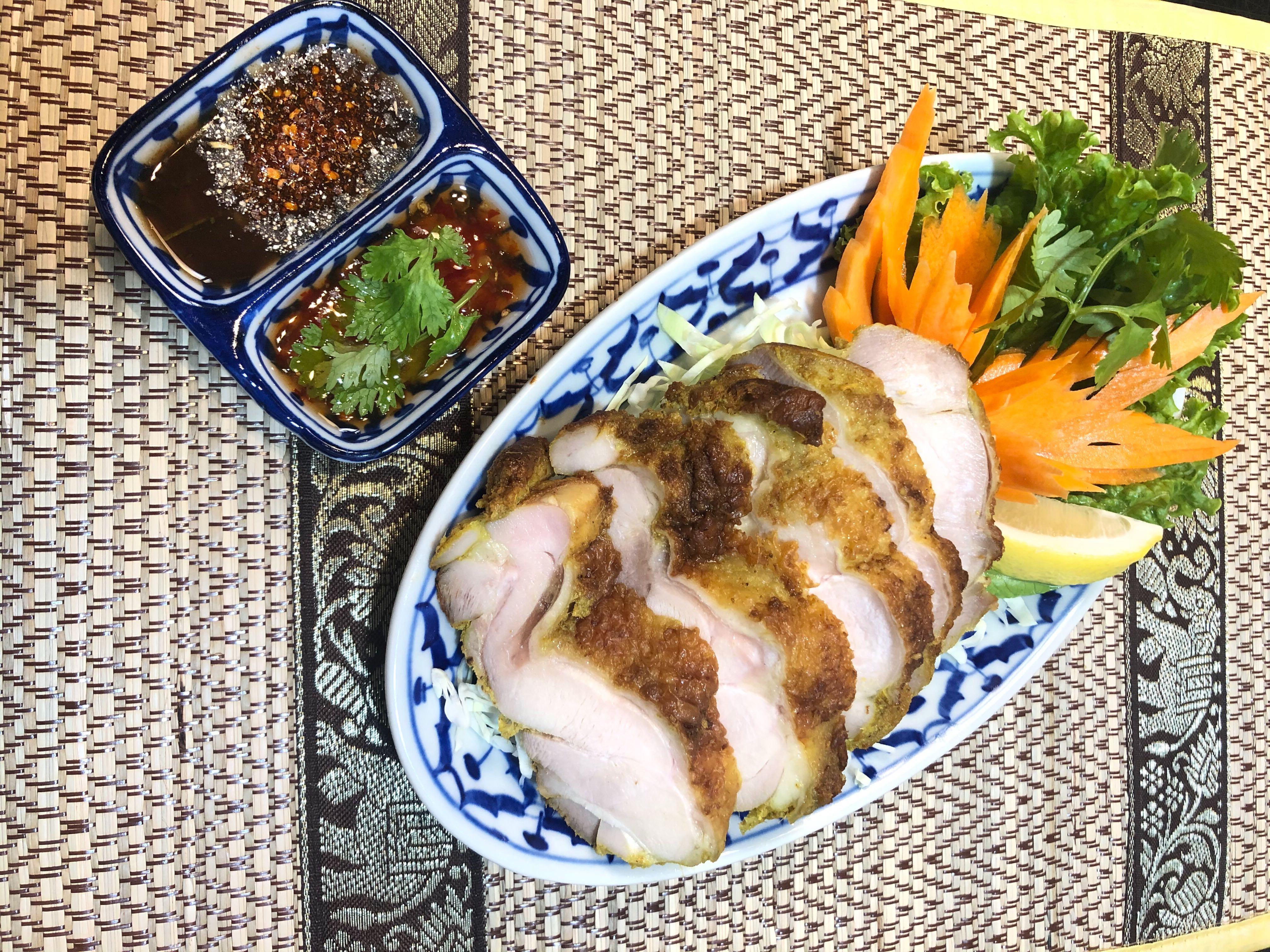 ガイヤーン(鶏もも肉のソテー)