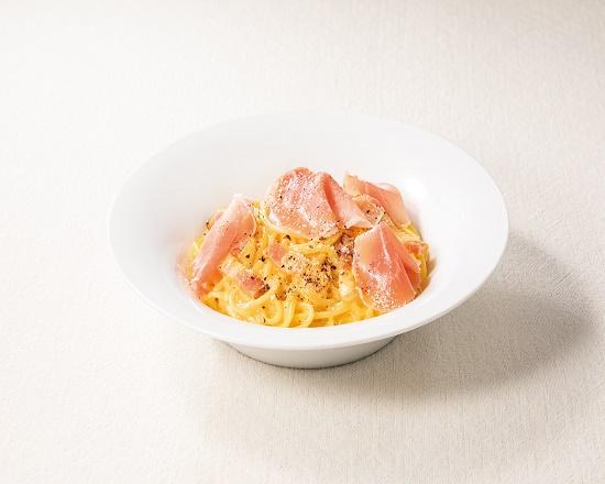 【1K】(期間限定20%OFF!!)生ハムとベーコンの4種チーズのカルボナーラ
