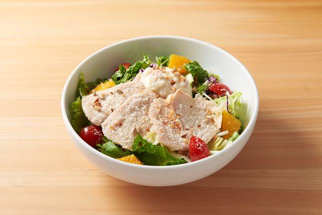 【期間限定 20%OFF】ハーブ鶏のローストチキンのパワーサラダ ~4種チーズのシーザードレッシング