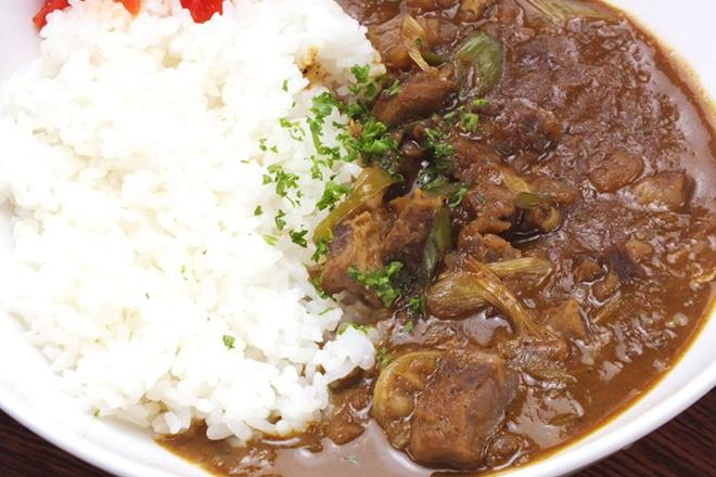 カレー(牛すじ、キーマ、シーフード、バターチキン)