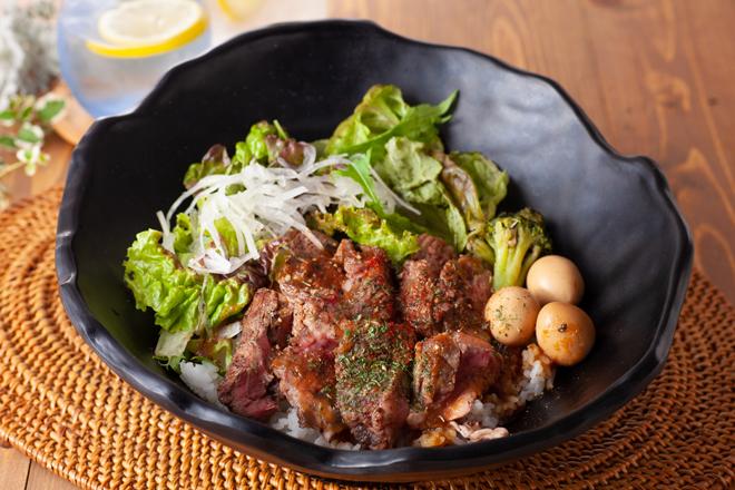 【炭焼き】アンガスステーキ丼
