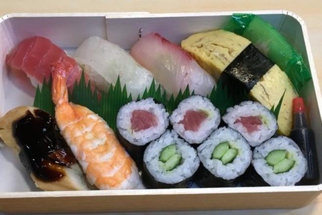 【EPARKテイクアウト専用】お寿司盛り合わせ