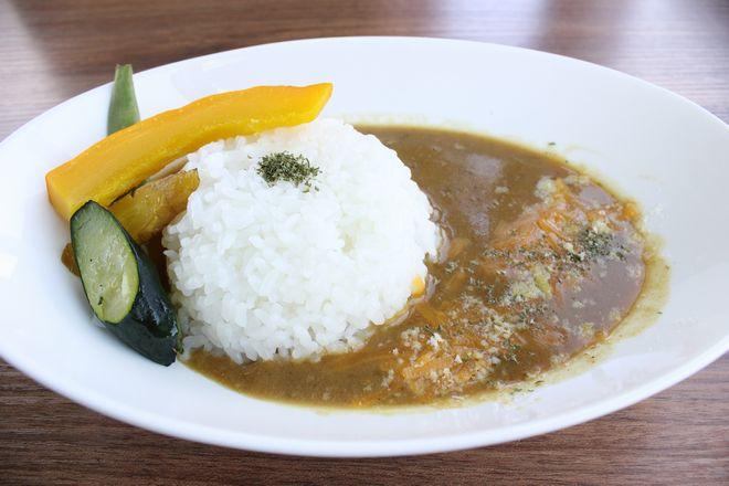 糸島野菜とバターチキンカレー