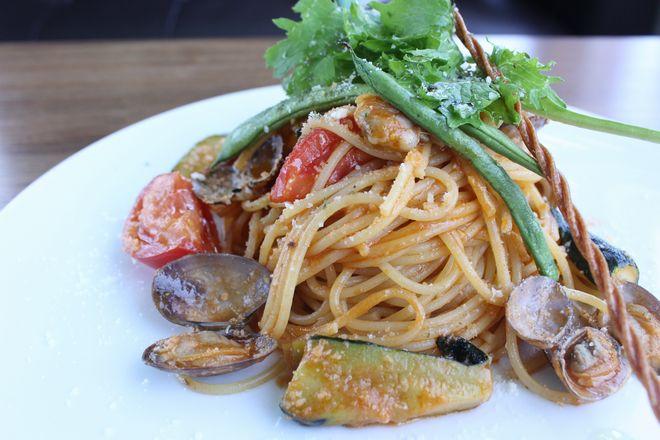 アサリと糸島野菜のトマトパスタ