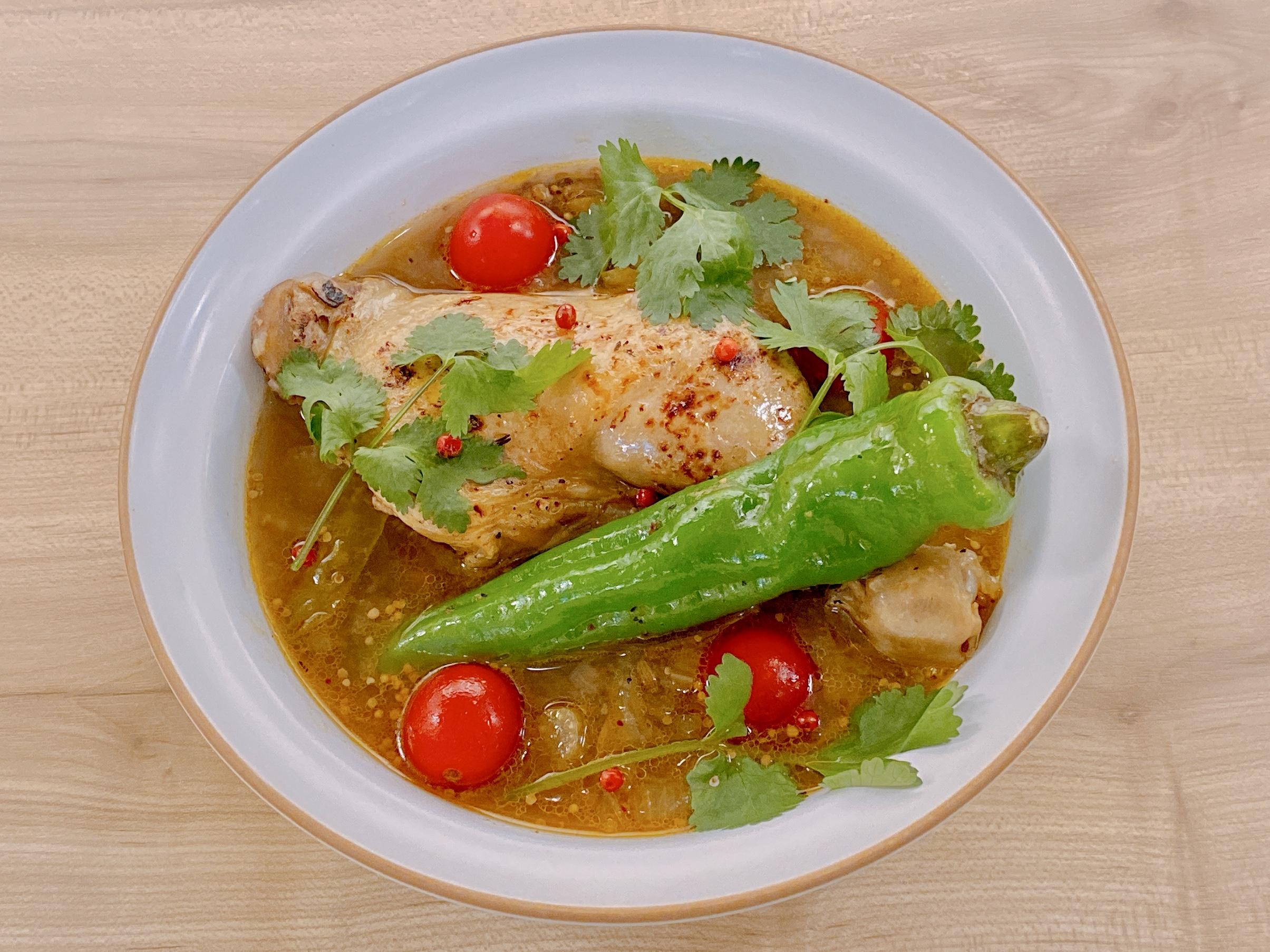 印度のスープカレーチキンアッチャーリー