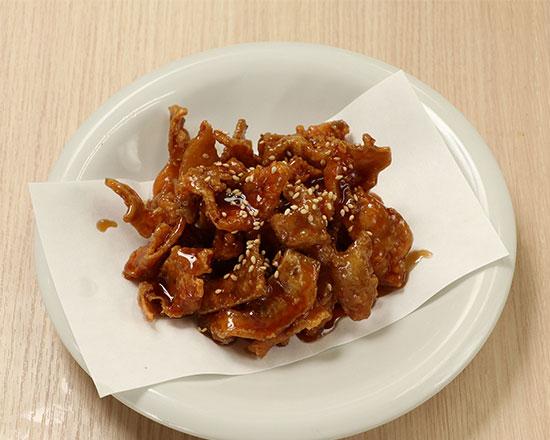 鶏皮揚げ Deep-Fried Chicken Skins