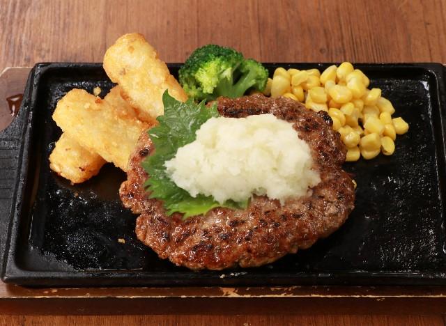 和風おろしハンバーグステーキ Japanese-style hamburg steak (Soybased grated radish sauce)