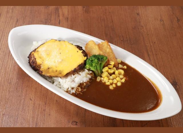 チーズーハンバーグカレー Curry rice with cheese hamburg steak