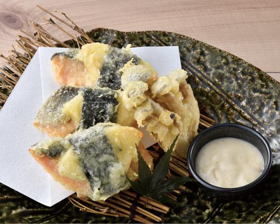 秋鮭とモッツァレラチーズの天ぷら~タルタルソース添え~