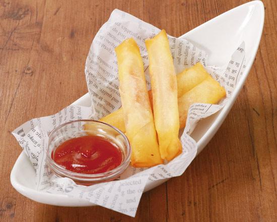 明太もちチーズスティック Fried Spring Rolls - Stuffed with Pollack Roe & Cheese Rice Cake