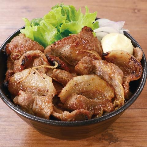 豚肩ロースの生姜焼き丼