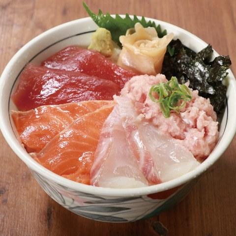 海鮮四種丼