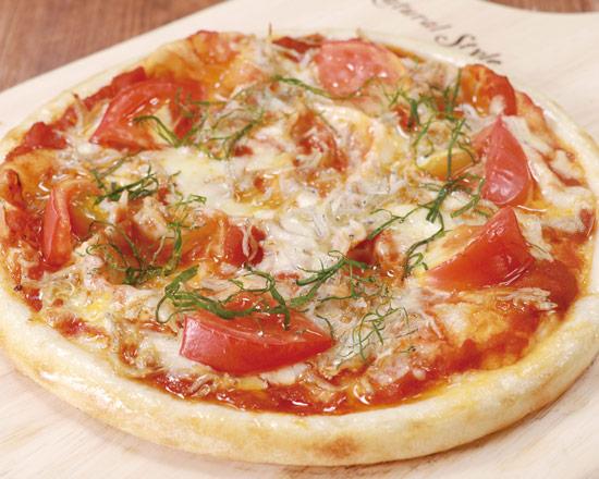 瀬戸内産しらすのトマトピザ