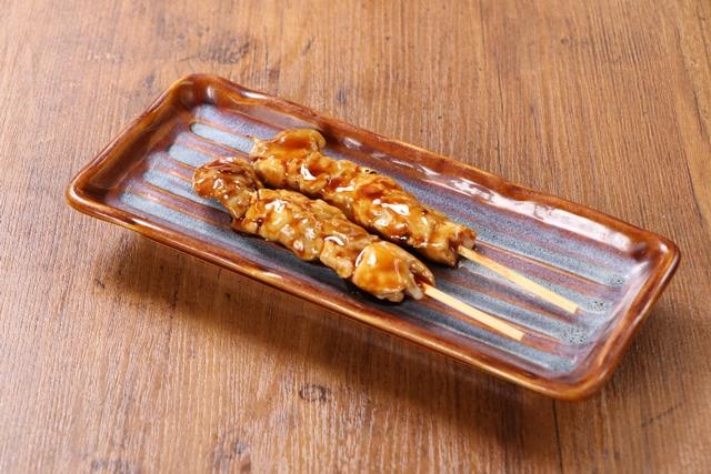 鶏もも串 (2串)