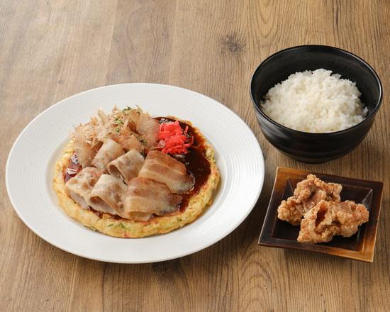 大人気 お好み焼き弁当「豚玉(大阪)+ライス+唐揚げ2個」