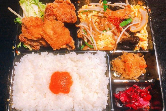 玉子キクラゲ炒め+唐揚げ弁当