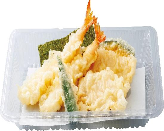 海老と鶏の天ぷら盛合せ