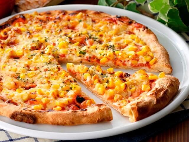 ピザたっぷりマヨコーン