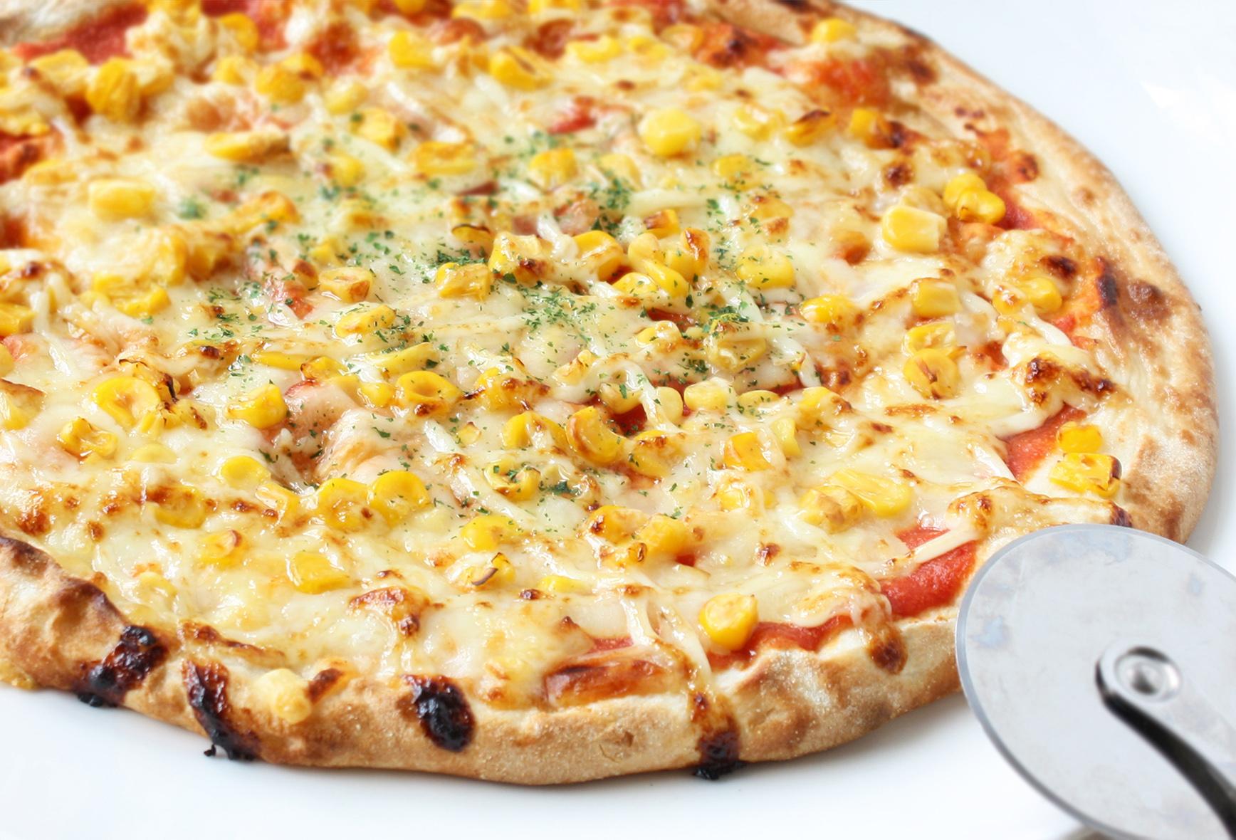 たっぷりマヨコーンピザ