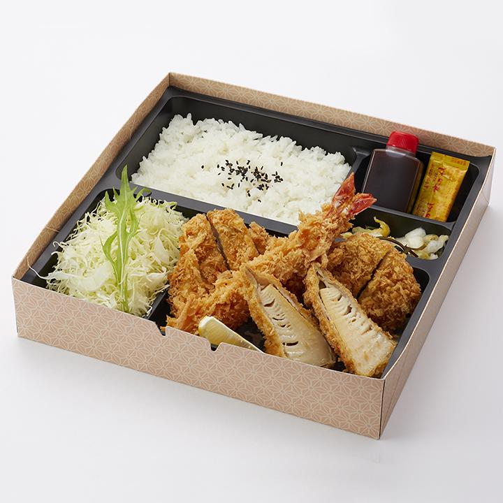 季節の弁当(筍の肉巻きかつ・ロースかつ・ヒレかつ・海老フライ)