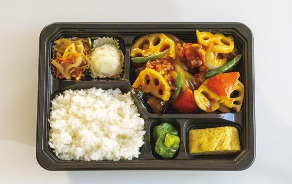 野菜たっぷり鶏の黒酢あん定食
