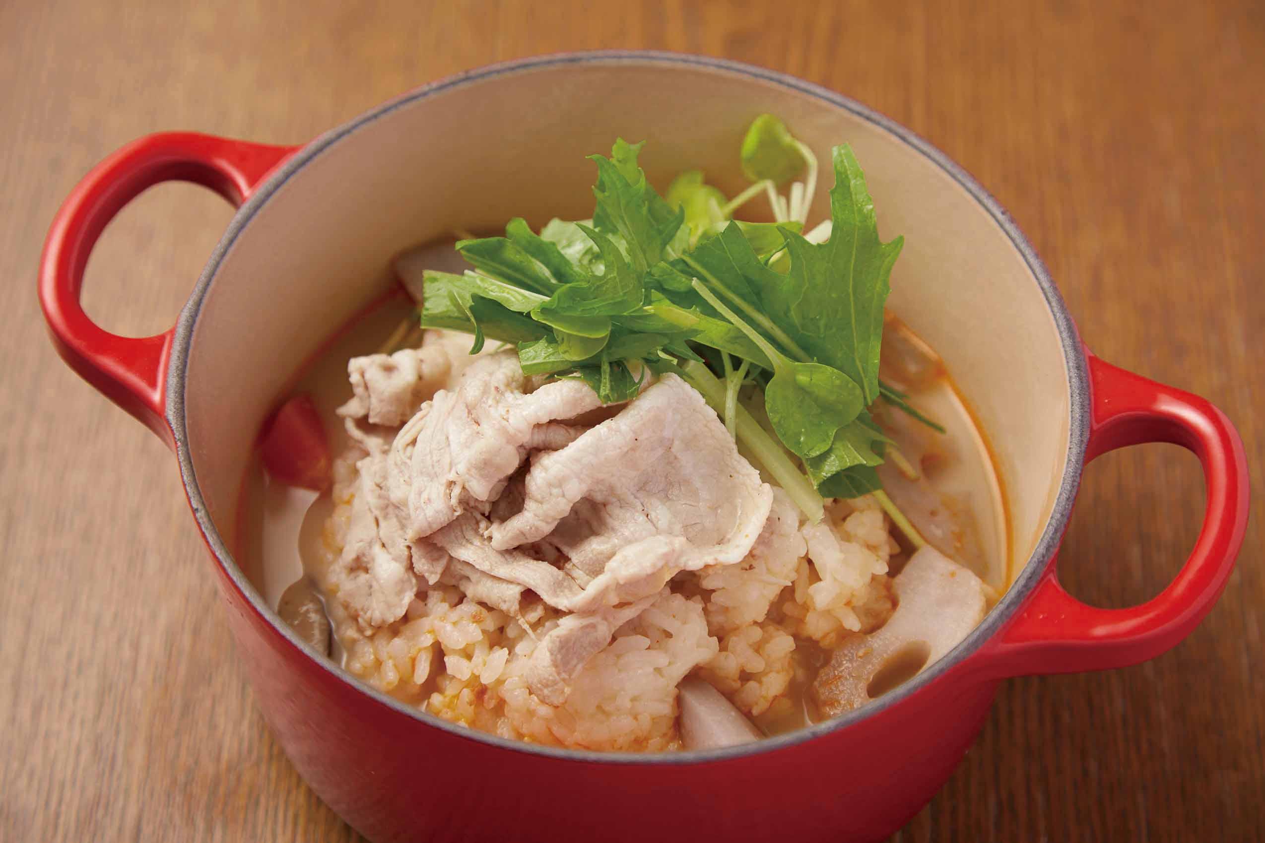 根菜としゃぶ豚のごま豆乳茶鍋